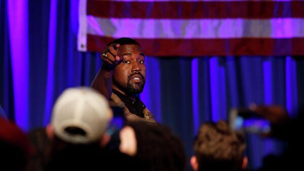 Канье Уэст на  закрытом предвыборном ралли в Чарлстоне в Южной Каролине