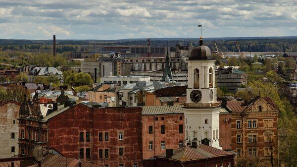 Вид на Выборг с башни святого Олафа Выборгского замка, которая открылась для посетителей