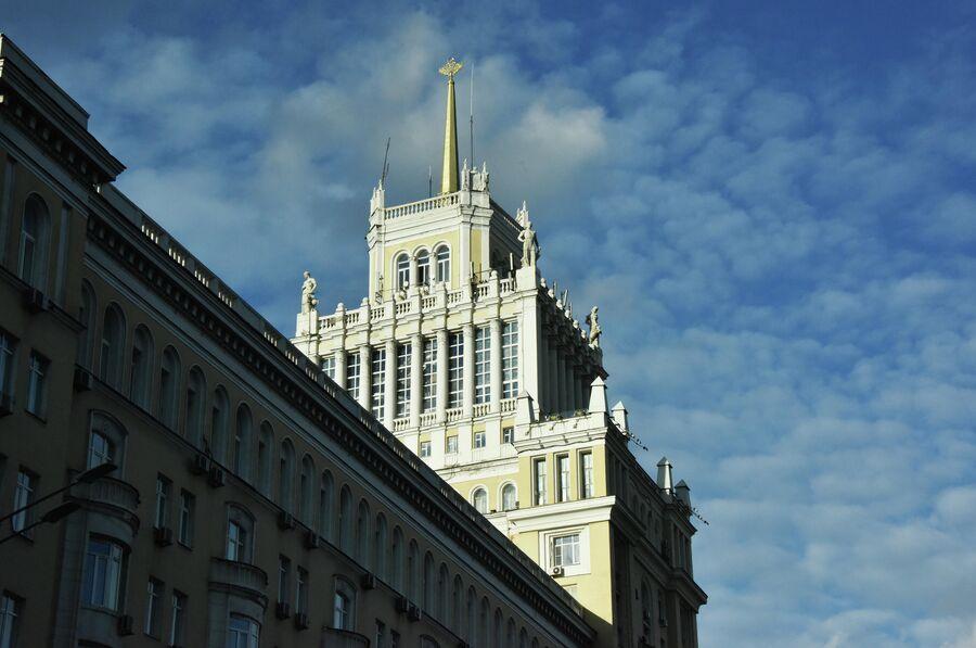 Гостиница Пекин (проект архитектора Д. Н. Чечулина) в Москве.