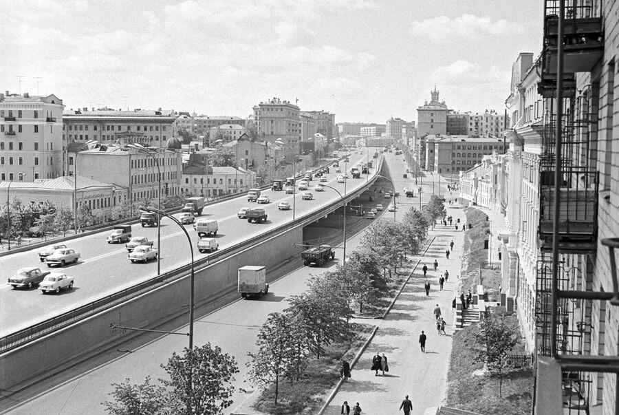 Вид на Сухаревскую эстакаду над Самотечной площадью