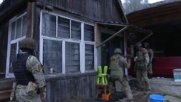 Кадры спецоперации ФСБ по задержанию группы исламистов