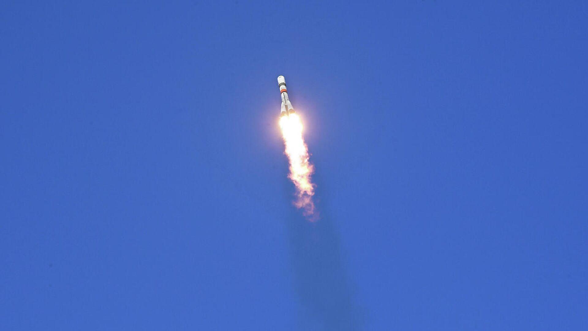 Старт ракеты-носителя Союз-2.1а с транспортным грузовым кораблем Прогресс МС-15  - РИА Новости, 1920, 06.11.2020
