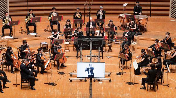 Первый концерт с виртуальным дирижером в Токио