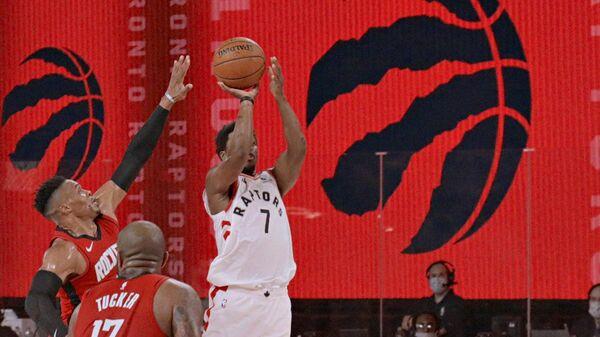 Контрольный матч НБА между командами Хьюстон Рокетс и Торонто Рэпторс