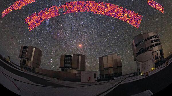 Участок неба, закартированный в рамках обзора KiDS-1000, на фоне Паранальской обсерватории