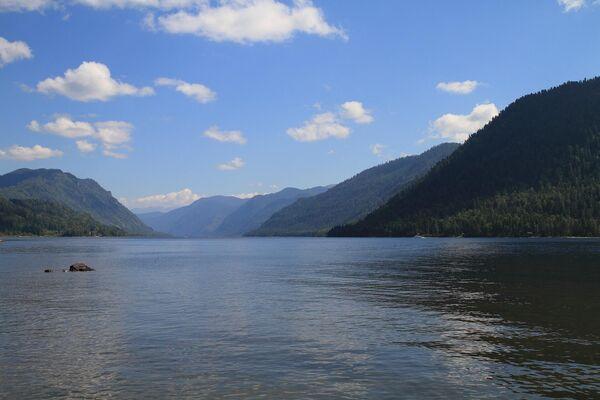 Телецкое озеро в Алтайском природном биосферном заповеднике Республики Алтай
