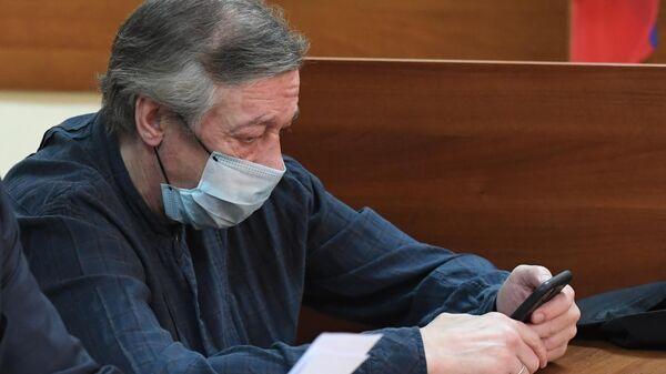 Суд направил запрос о состоянии здоровья Ефремова