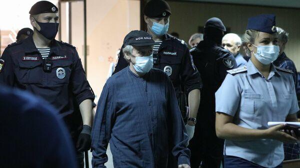 Рассмотрение по существу уголовного дела о ДТП со смертельным исходом в отношении Михаила Ефремова в Пресненском суде