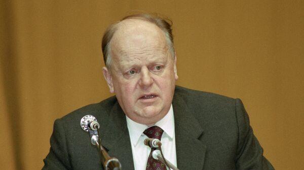 Председатель Верховного Совета Республики Беларусь Станислав Шушкевич