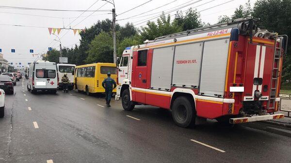 На месте ДТП с участием двух микроавтобусов и автобуса в Иванове