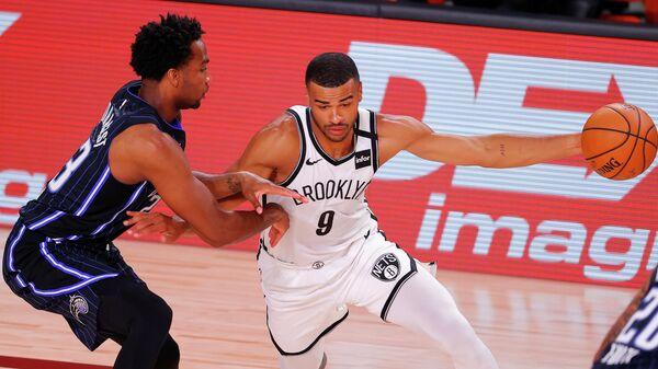 Игровой момент матча НБА Бруклин - Орландо