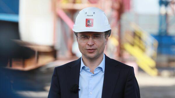 Руководитель департамента строительства города Москвы Рафик Загрутдинов во время осмотра строительства  участка Северо-Восточной хорды