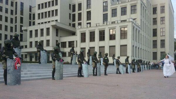 Ситуация у Дома правительства в Минске