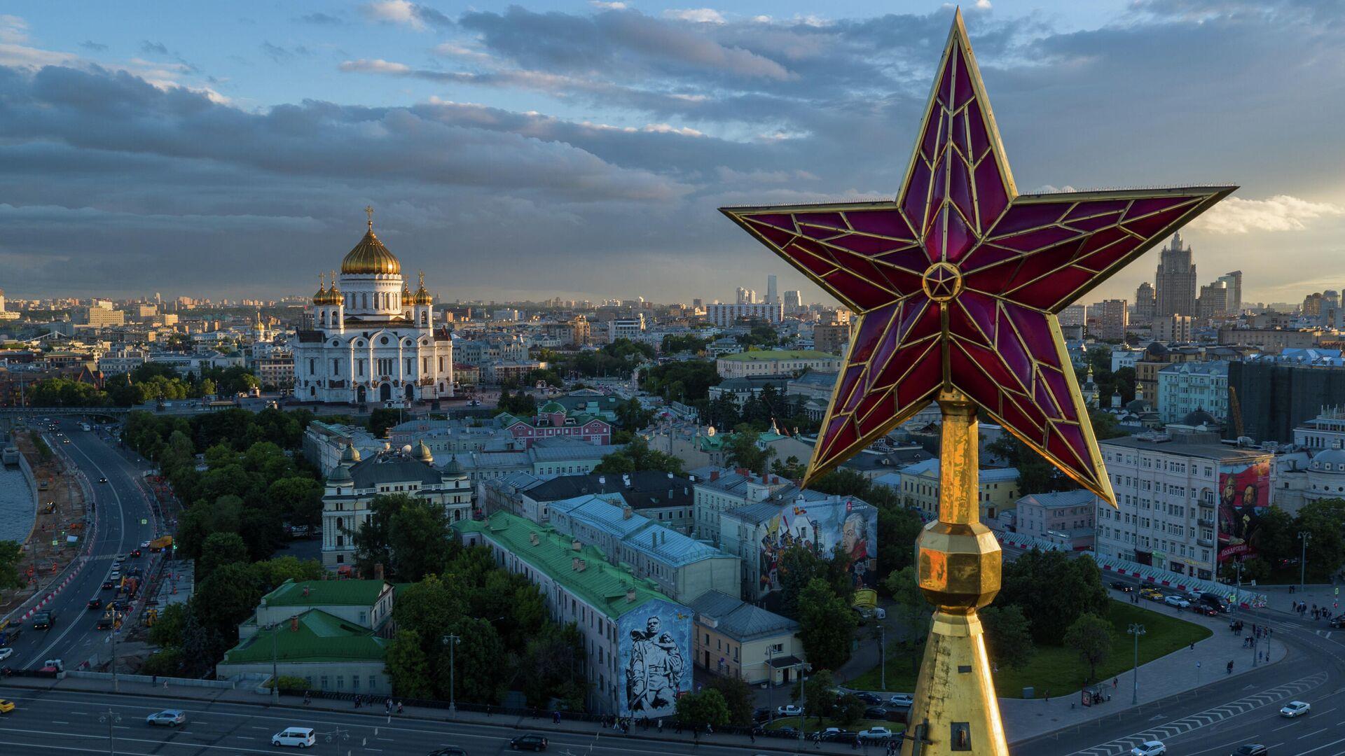 Звезда на шпиле Спасской башни Московского Кремля - РИА Новости, 1920, 12.11.2020