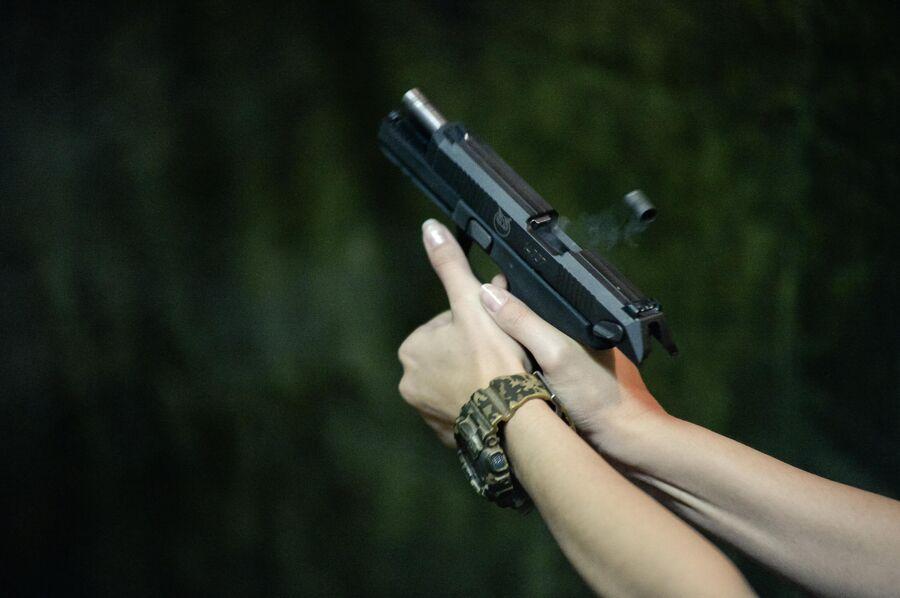 Экстракция гильзы при стрельбе из пистолета 'Полоз'