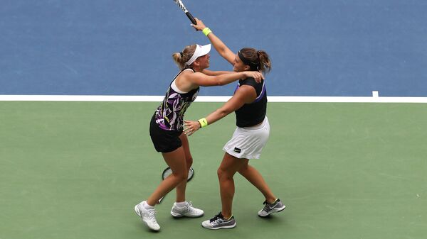 Действующие победительницы Открытого чемпионата США по теннису в парном разряде бельгийка Элизе Мертенс и Арина Соболенко