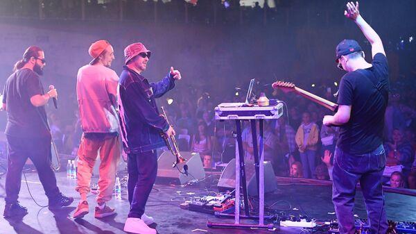 Рэп-исполнитель Timur Check (Тимур Саед-Шах) и группа Wild Brass выступают на Международном джазовом фестивале Koktebel Jazz Party - 2020 в Крыму