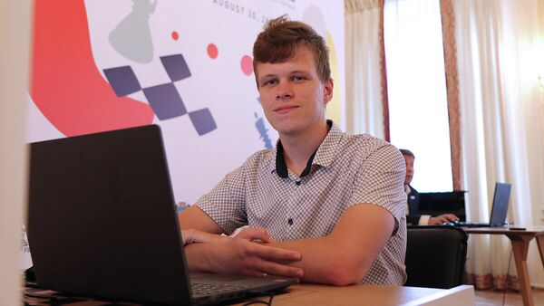 Шахматист Владислав Артемьев
