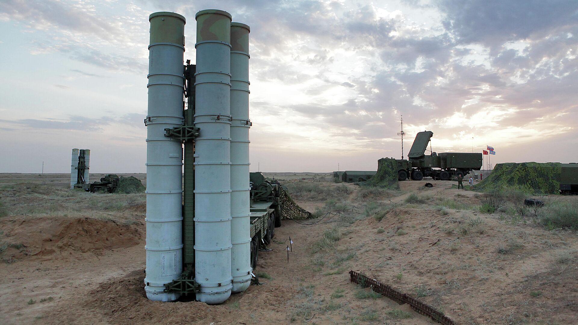 Подготовка к стрельбам зенитных ракетных систем С-400 Триумф на полигоне Ашулук  - РИА Новости, 1920, 25.05.2021