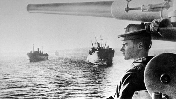 Советские транспортные суда на пути к Южному Сахалину. Август 1945 года