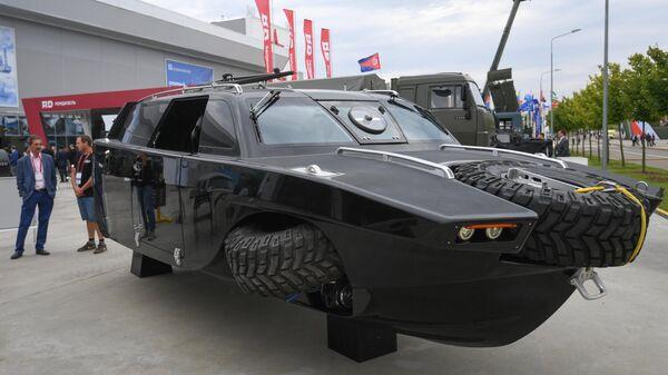 Автомобиль-амфибия Дрозд на выставке вооружений Международного военно-технического форума (МВТФ) Армия-2020 в военно-патриотическом парке Патриот