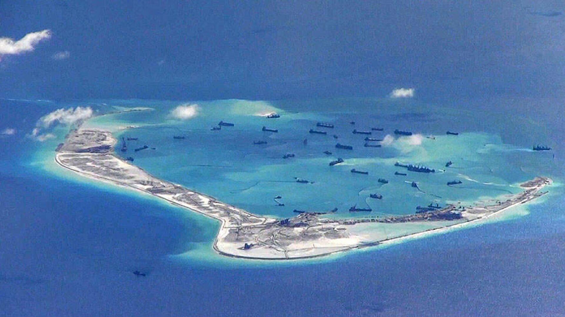 Строительство искусственного острова в Южно-Китайском море - РИА Новости, 1920, 09.09.2020