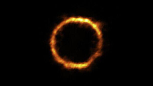 Молодая чрезвычайно далекая галактика SPT0418-47 в созвездии Часов