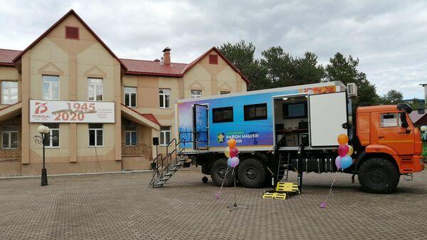Передвижной технопарк для пожилых людей в Сургутском районе ХМАО