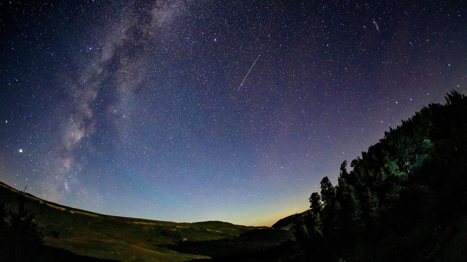 Астрономы спрогнозировали пик звездопада на середину майских праздников