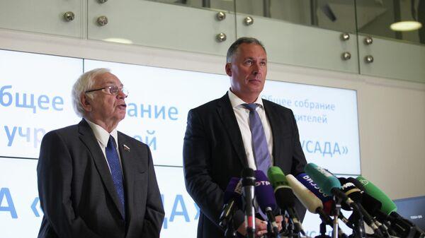 Владимир Лукин и Станислав Поздняков (справа)