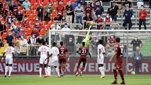 Игровой момент матча Монако - Мец