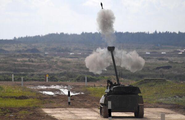Самоходное артиллерийское орудие 2С34 Хоста во время динамического показа вооружений, военной и специальной техники в рамках Международного военно-технического форума (МВТФ) Армия-2020 на полигоне Алабино в Московской области