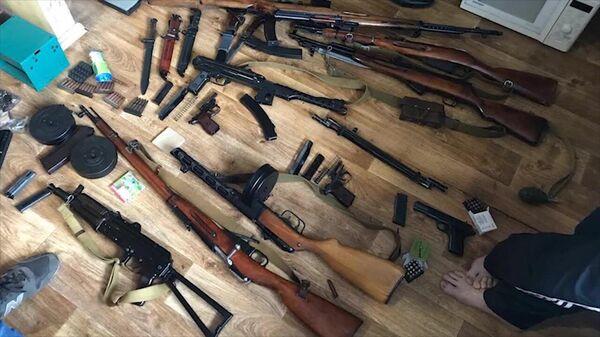 Оружие и боеприпасы, изъятые у лиц, причастных к контрабанде оружия