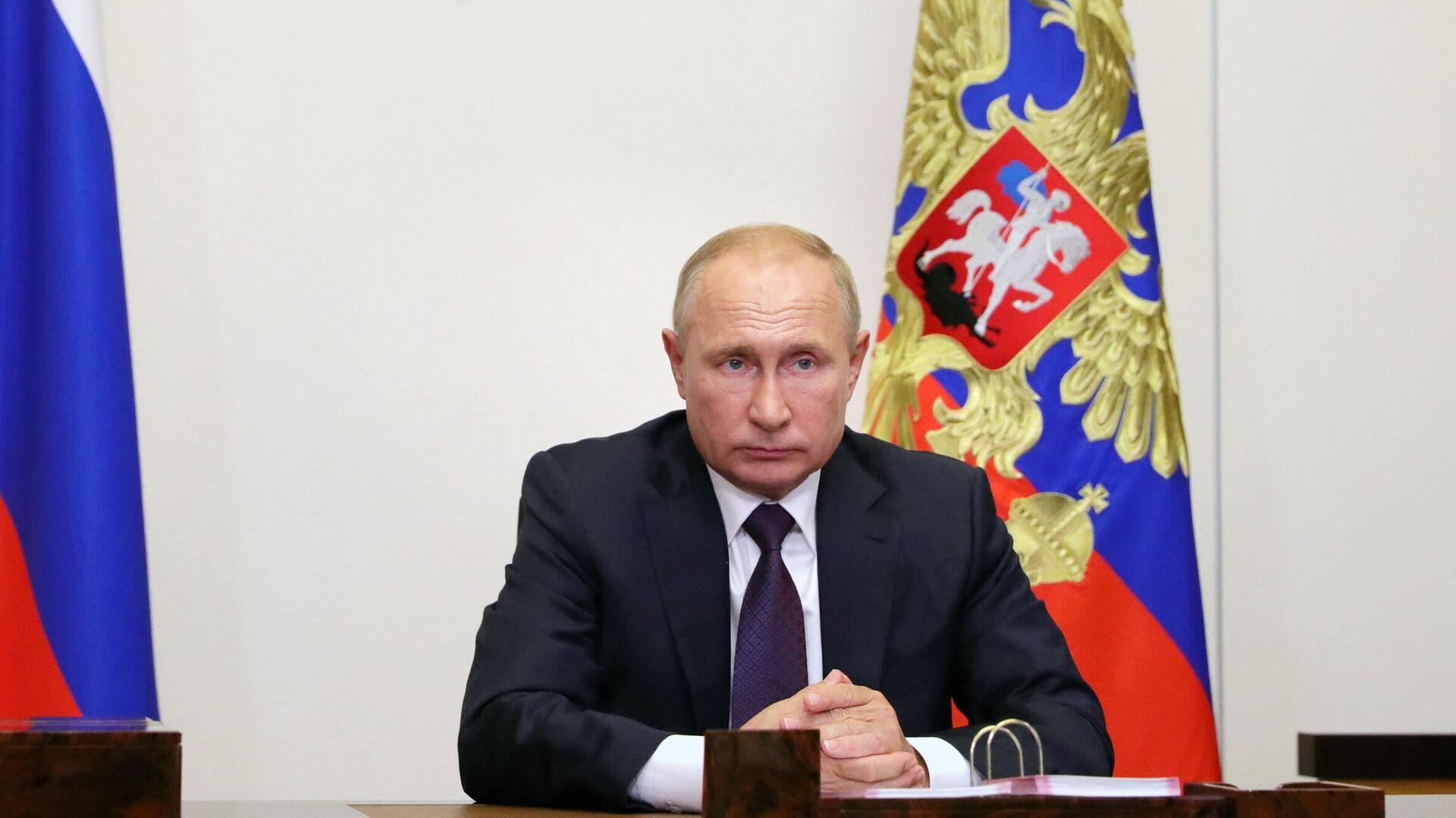 Путин одобрил запрет парламентариям иметь иностранное гражданство