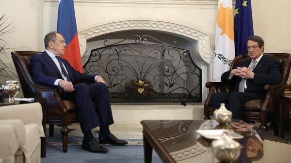 Министр иностранных дел РФ Сергей Лавров и президент Кипра Никос Анастасиадис