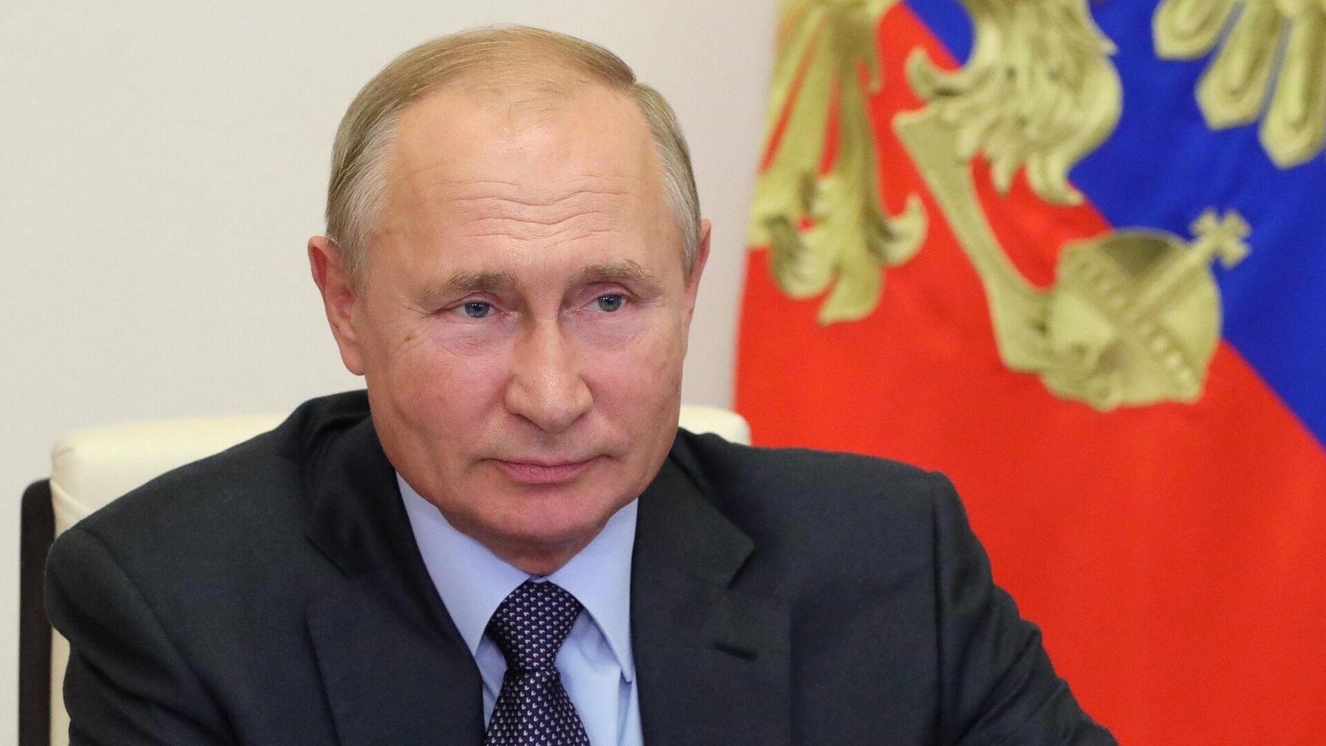 Президент РФ Владимир Путин проводит в режиме видеоконференции совещание по экономическим вопросам - РИА Новости, 1920, 07.10.2020