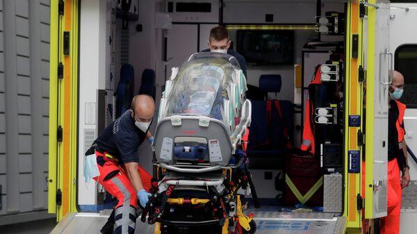 Экипаж скорой помощи, на котором предположительно был доставлен в клинику Шарите в Берлине Алексей Навальный
