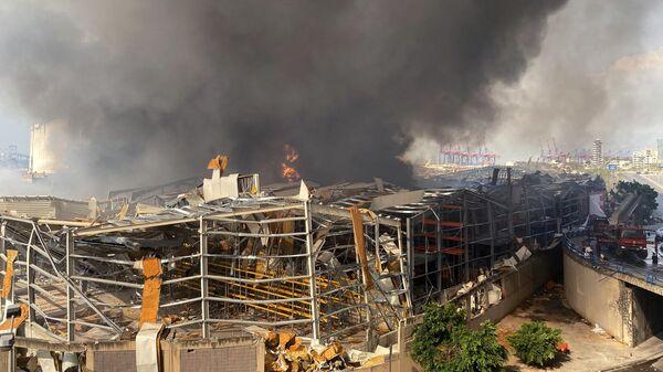 Пожар на территории порта в Бейруте