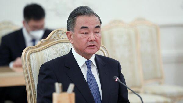 Министр иностранных дел КНР Ван И во время переговоров с министром иностранных дел РФ Сергеем Лавровым в Москве
