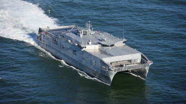 Быстроходный транспортно-десантный корабль USNS Yuma ВМС США