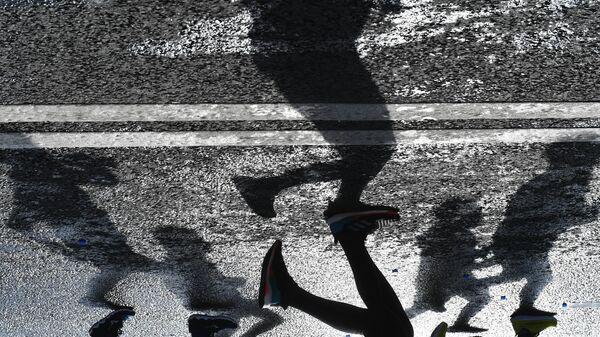 Участники на дистанции Московского марафона