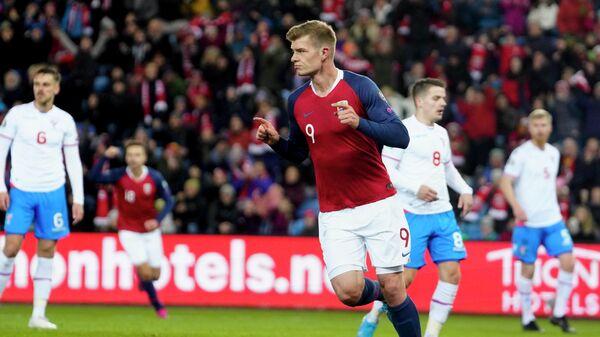 Нападающий сборной Норвегии Александер Сёрлот