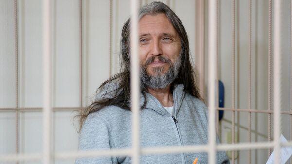Один из руководителей Церкви последнего завета Сергей Тороп (Виссарион) на заседании Центрального районного суда Новосибирска