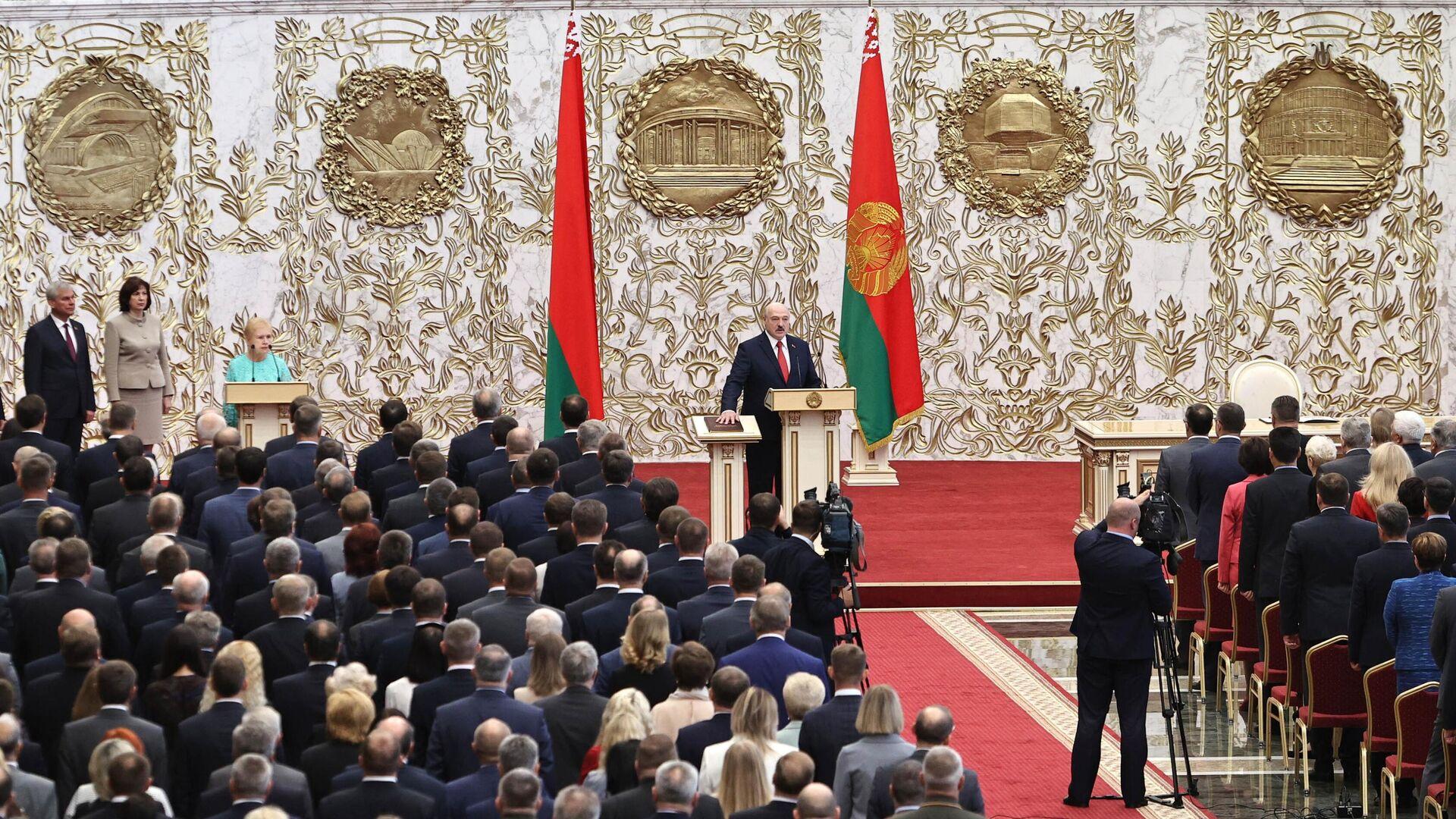 Президент Белоруссии Александр Лукашенко на церемонии инаугурации в Минске - РИА Новости, 1920, 23.09.2020