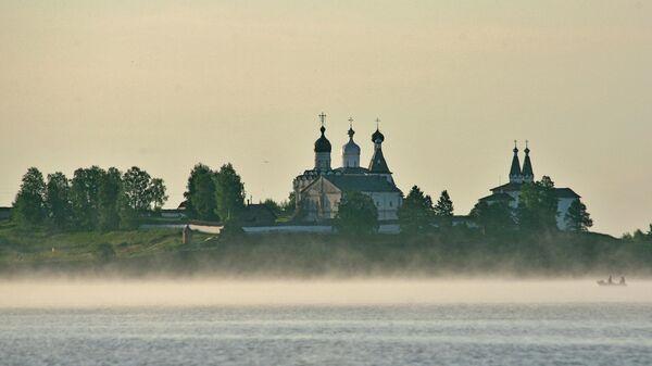Вид на Богородице-Рождественский Ферапонтов мужской монастырь в селе Ферапонтово Вологодской области