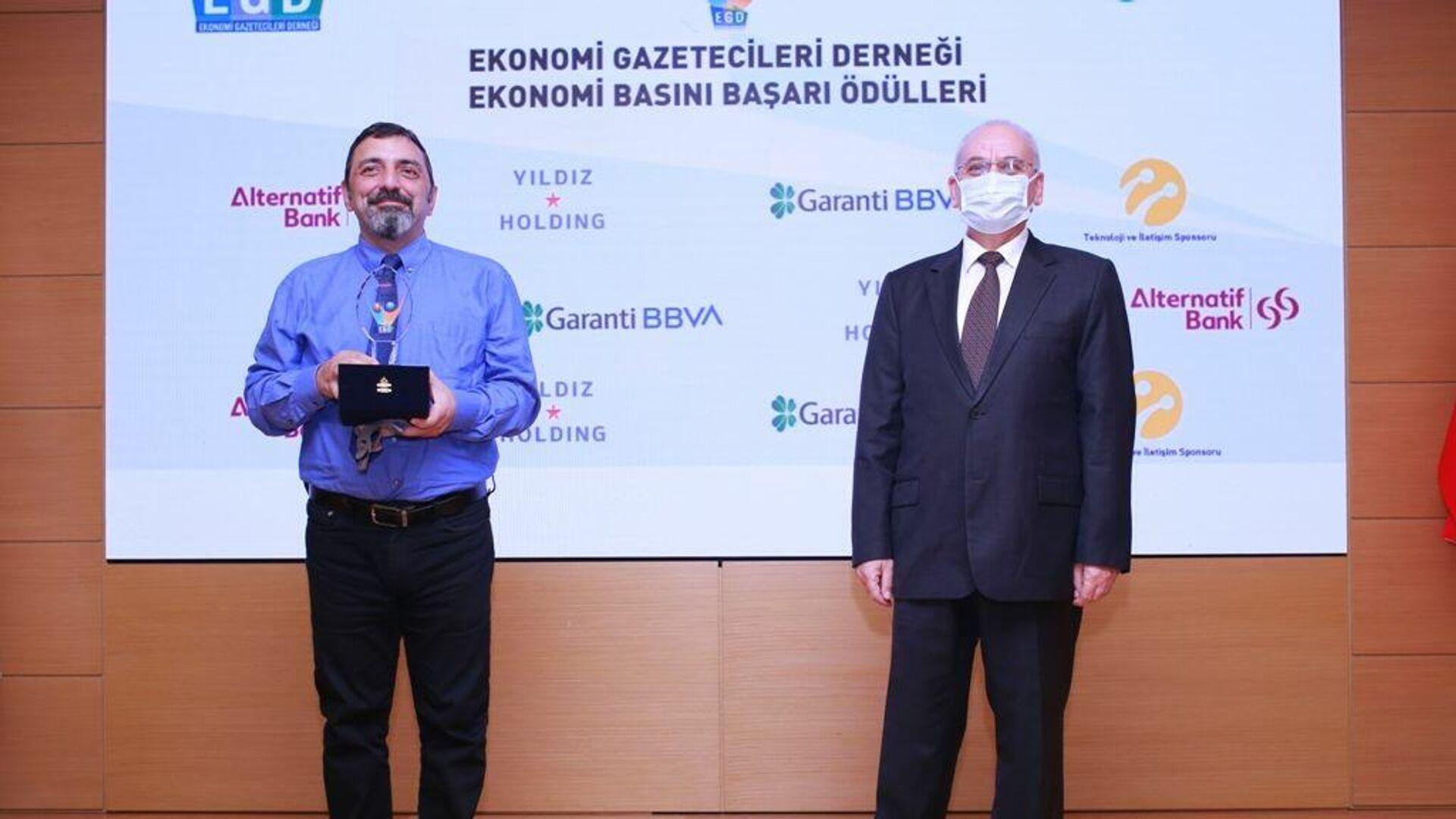 Радиопрограмма Sputnik Турция признана лучшей экономической программой года - РИА Новости, 1920, 25.09.2020