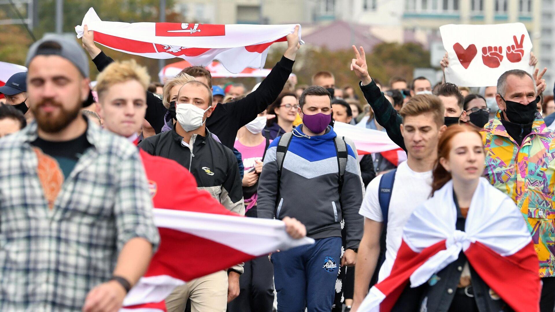 Участники несанкционированной акции протеста оппозиции в Минске - РИА Новости, 1920, 27.09.2020