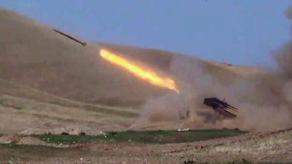 Вооруженные силы Азербайджана ведут боевые действия в Нагорном Карабахе. Скриншот видео