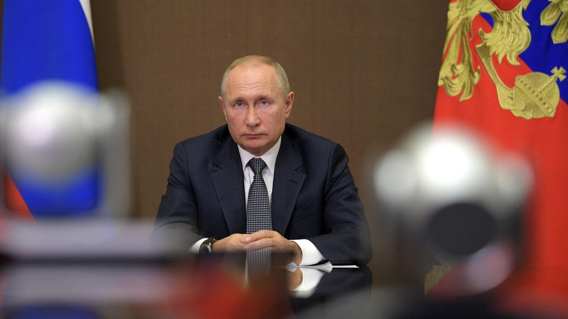 1577898167 0:255:3164:2035 1920x0 80 0 0 9e43229feae0166321c82ecb6afab66d - Путин призвал тактично и терпеливо объяснять реалии ситуации с COVID-19