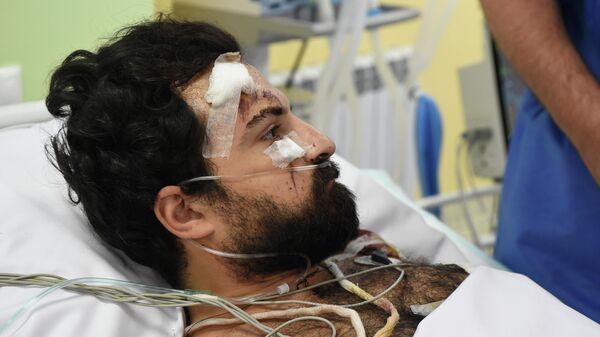 Cотрудник Le Monde Ален Кавали, пострадавший во время артиллерийского обстрела в городе Мартуни